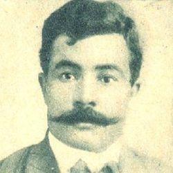 الصحفي أحمد حلمي