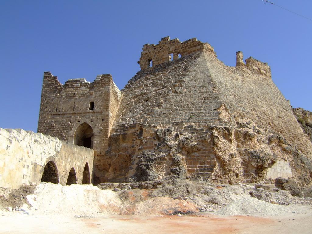 قلعة شيزر حيث عاش أسامة بن منقذ