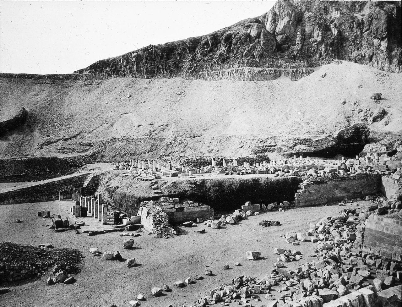 مقابر فرعونية