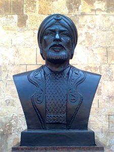 صورة لتمثال سيف الدين قطز