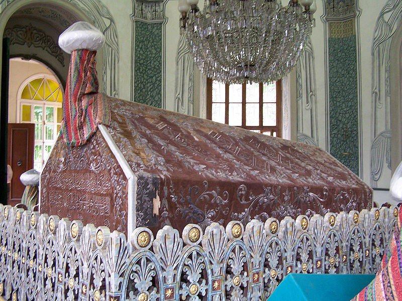 ضريح عثمان الأول