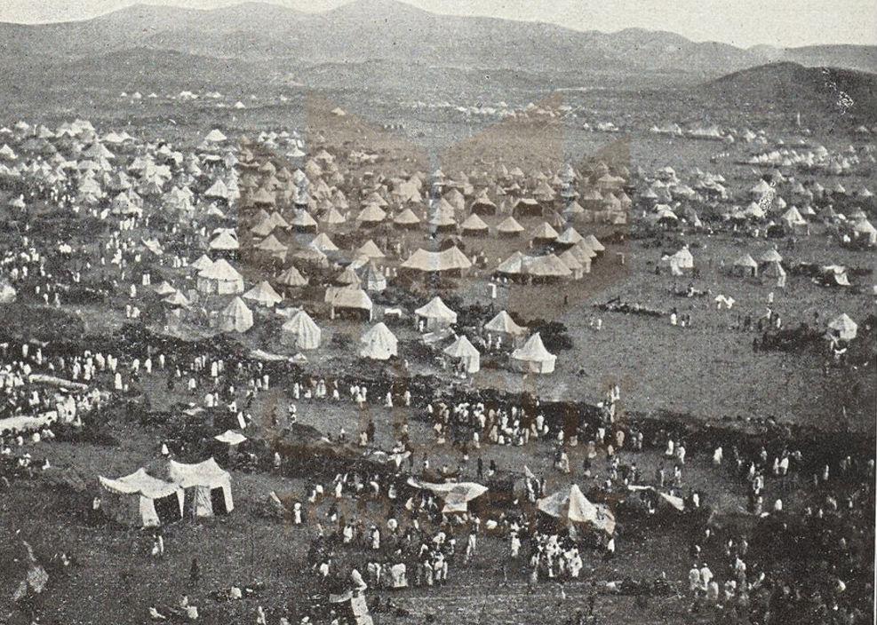 تجمع الحجيج في عرفات بمنطقة مسجد الصخيرات