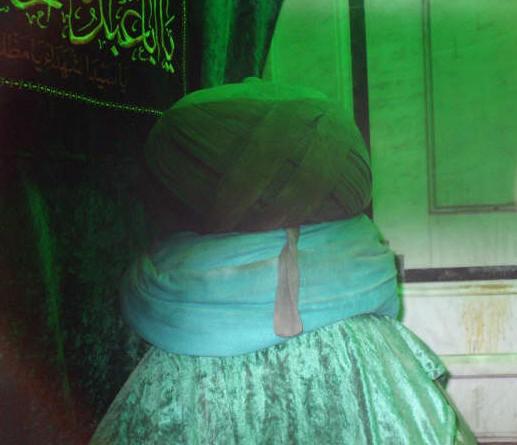 مقام رأس الإمام الحسين في الجامع الأموي في دمشق