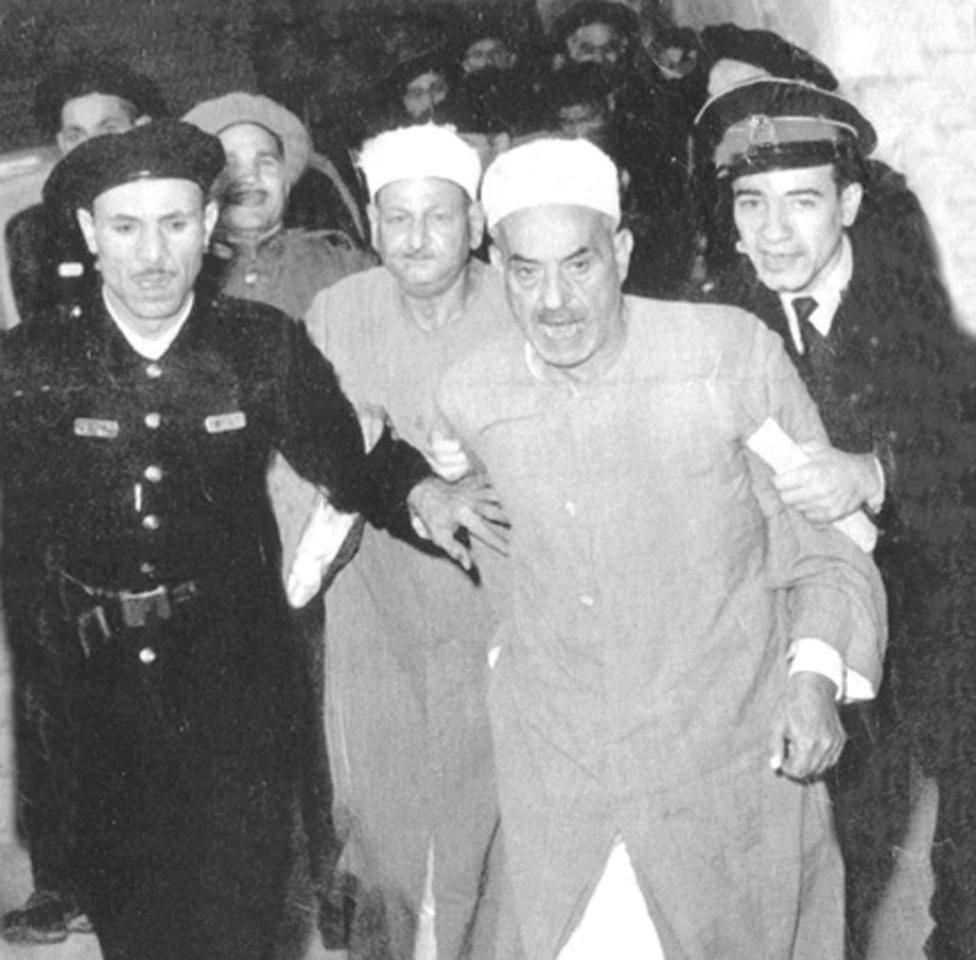 القبض على القاضيان عبد القادر الفيل وعبد الفتاح سيف