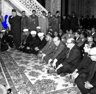 صورة نادرة للشيخ المنشاوي في المسجد الأموي بدمشق مع شكري القوتلي وجمال عبدالناصر