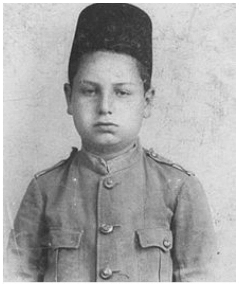محمد لطفي جمعة في سن التاسعة