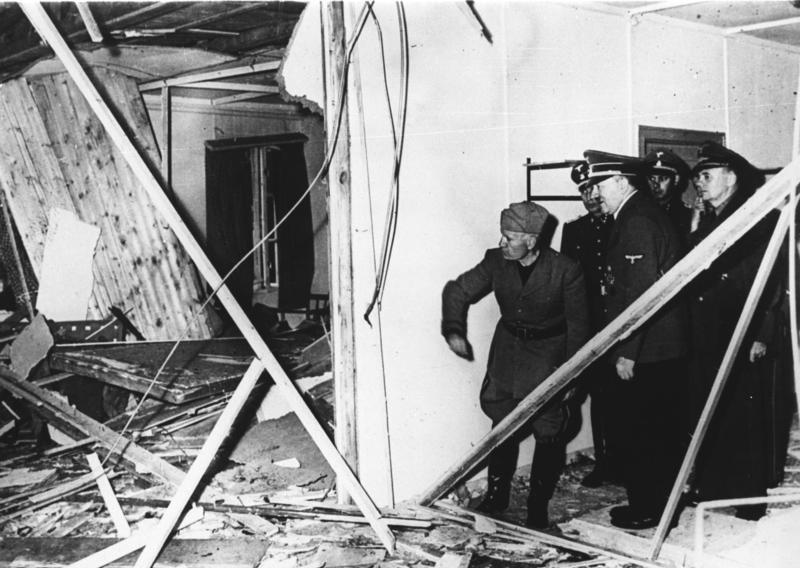 هتلر وموسوليني داخل وكر الذئاب بعد محاولة اغتيال الفوهرر