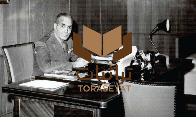 الفريق عبدالمنعم رياض في مكتبه