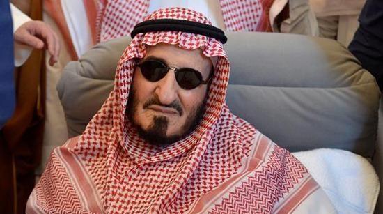 كم عدد ابناء الملك عبدالعزيز الاحياء