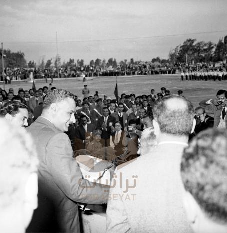 جمال عبدالناصر في مؤتمر شباب الجامعات منتصف الخمسينيات
