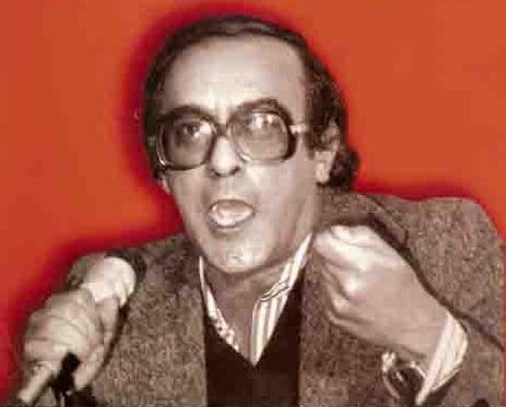 الكاتب الصحفي عادل حسين