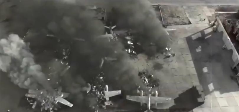 ضرب الطائرات على الأرض في فيلم الممر