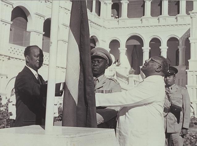 رفع العلم السوداني