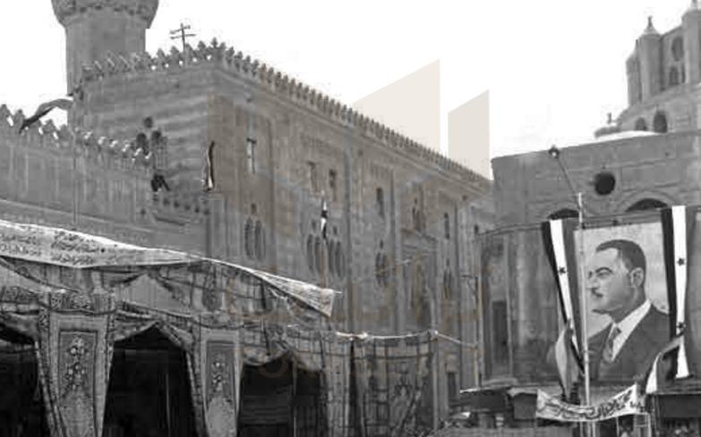 لافتة لـ عبدالناصر أمام الأزهر